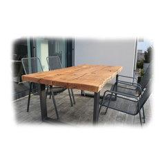 Massivholztisch aus Stahl und Schnittholt