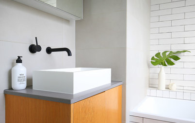 Stickybeak of the Week: From Awkward Nook to Stylish Family Bathroom