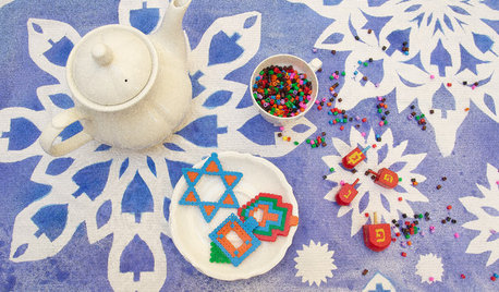 DIY: 1 Tablecloth, 2 Great Holiday Looks
