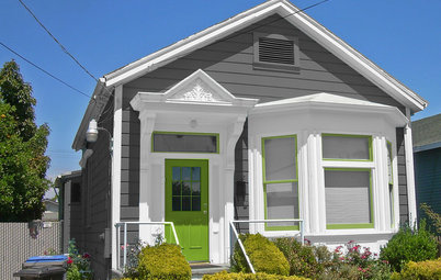Choosing Color: See 1 Cute Home in 3 Exterior Paint Palettes