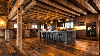 Reclaimed Barn Wood Flooring/Highlands Hit and Skip Oak