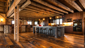 Reclaimed Barn Wood Flooring/Highlands Hit and Skip Oak