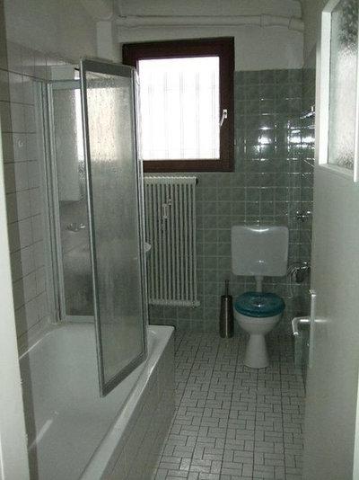 Kleines bad renovieren 9 vorher nachher beispiele zur for Badezimmer 80er jahre