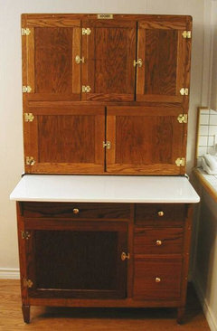 to me and they often had back or blue solid or speckled hardware is tinned metal the drawer knobs usually had a screw in the middle