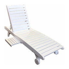 Relaxing Wooden Chair, White