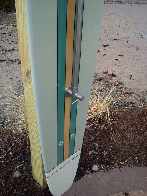 Outdoor surfboard shower for Diy outdoor shower surfboard