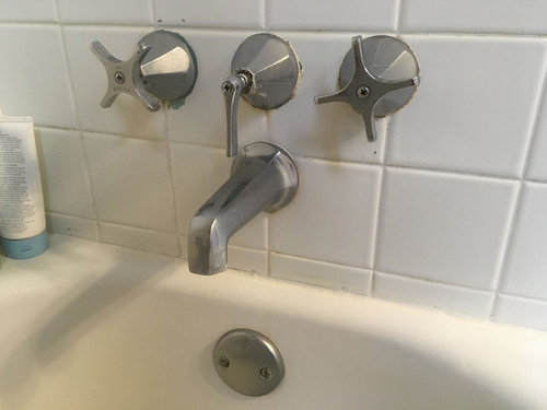 These Are Original To My 1952 House There Two Issues With Them 1 The Decorative Piece Spins Along Hot Handle 2 Cold Is Very Hard