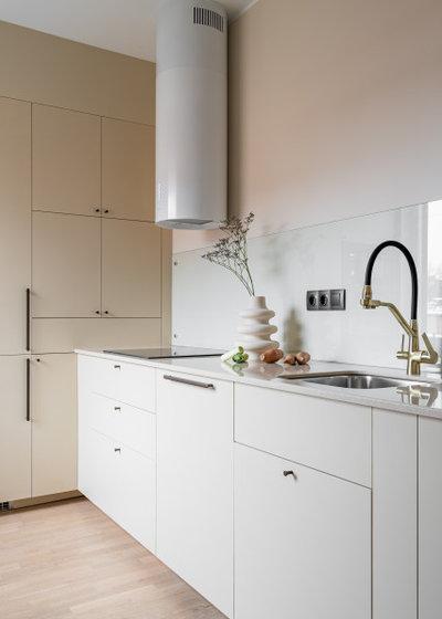 Современный Кухня by Дизайн-студия US Interiors