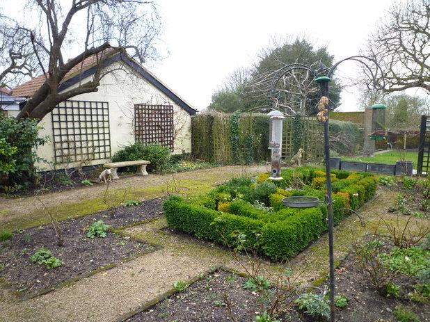 Houzz Tour: Essex Courtyard Garden Designed For Outdoor Living. U201c