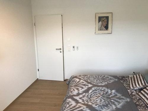 Brauche Tipps Für Meine Schlafzimmer Wand Gegenüber Bett