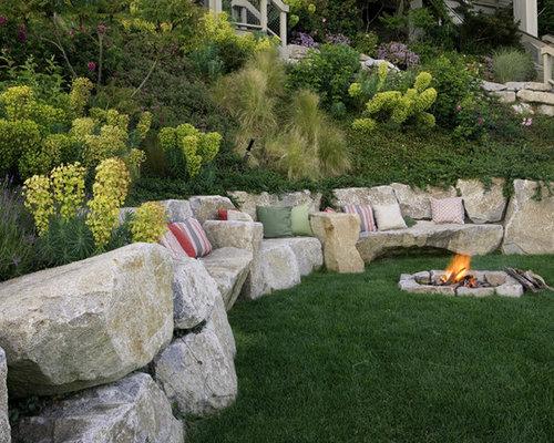 Boulder retaining wall houzz for Hillside rock garden designs