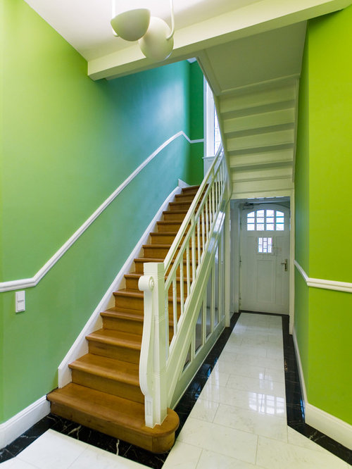 fotos de escaleras dise os de escaleras rectas verdes. Black Bedroom Furniture Sets. Home Design Ideas