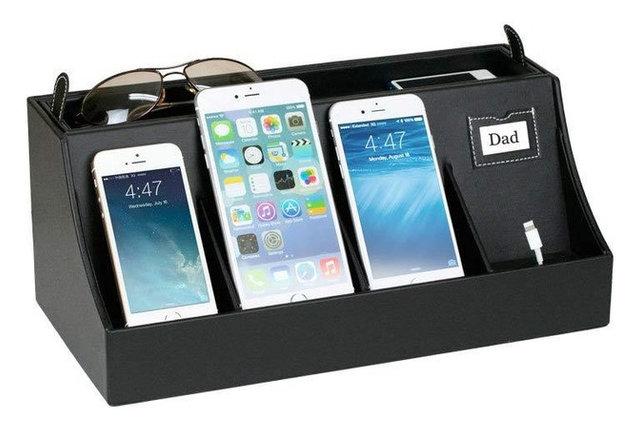 Desktop Smartphone Charging Station And Valet