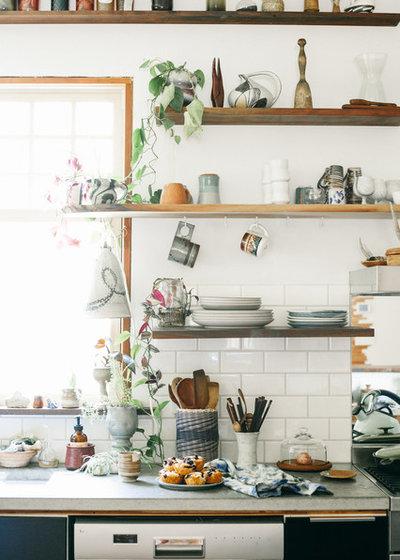 エクレクティック キッチン by Ellie Lillstrom Photography