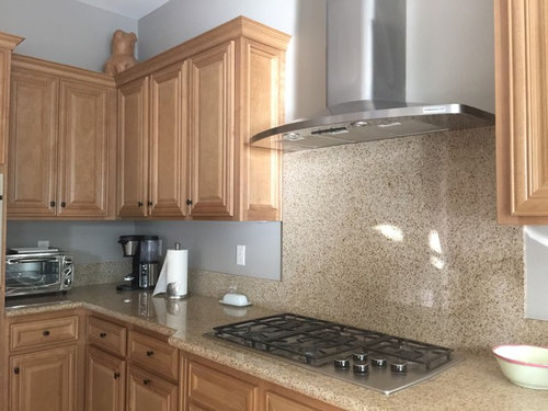 Does A White And Grey Quartz Countertop Match Maple Cabinets