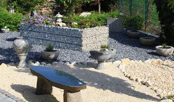 Gartengestaltung_Gabionen_Steinbänke_Steindekoration