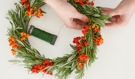 Make a Sophisticated Natural Wreath for Fall and Winter