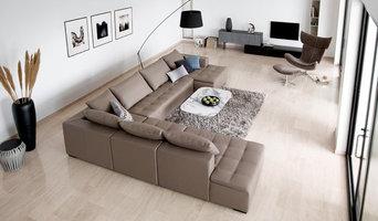 Mezzo sofa in contemporary living room