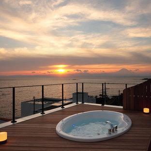 横浜の地中海スタイルの屋上デッキの画像 (日よけなし)