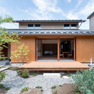 横浜のアジアンスタイルのおしゃれな横庭のデッキ (張り出し屋根) の写真