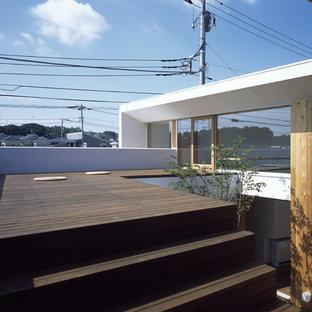 横浜のアジアンスタイルのおしゃれなウッドデッキの写真