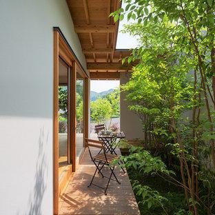 福岡の小さいアジアンスタイルの裏庭デッキの画像 (張り出し屋根)