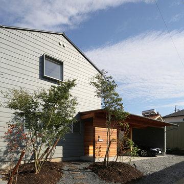 ガレージのある家/趣味が満載、ネコとバイクとガレージハウス