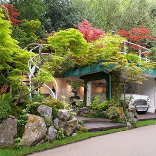 Inspiration pour un garage séparé asiatique de taille moyenne.