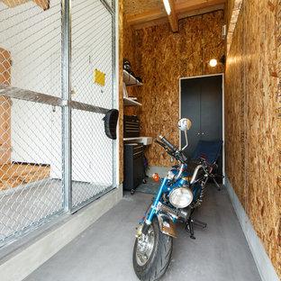 他の地域のビルトインインダストリアルスタイルのおしゃれなガレージの写真