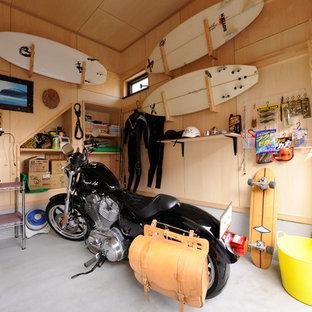 他の地域のインダストリアルスタイルのガレージ作業場の画像