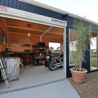 他の地域, の独立型インダストリアルスタイルのガレージ作業場の写真