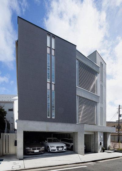 モダン ガレージ by 株式会社ヴァンクラフト空間環境設計