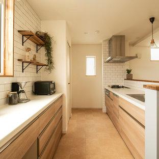 他の地域の小さい北欧スタイルのおしゃれなキッチンの写真