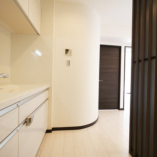 東京23区の和風のおしゃれなキッチン (白いキャビネット、白いキッチンパネル) の写真