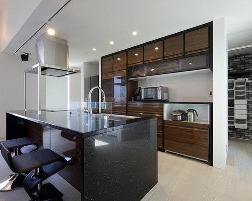 cuisine avec une cr dence en fen tre et un sol en contreplaqu photos et id es d co de cuisines. Black Bedroom Furniture Sets. Home Design Ideas