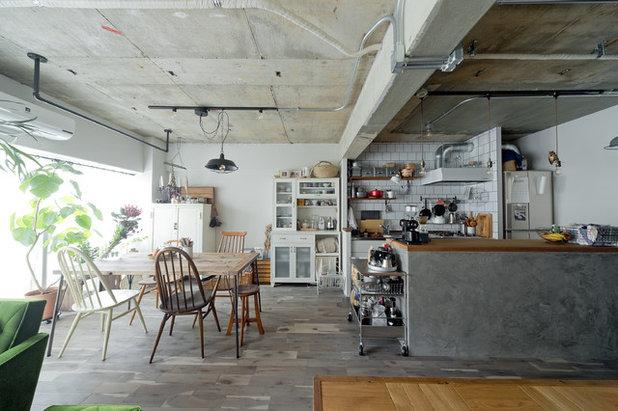インダストリアル キッチン by SCHOOL BUS OSAKA|スクールバス空間設計