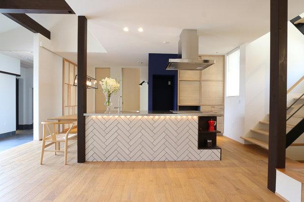 fettlser kche perfect elegant kchentresen mit barhockern barhocker schwarz weisse led streifen. Black Bedroom Furniture Sets. Home Design Ideas