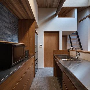 京都のミッドセンチュリースタイルのおしゃれなキッチンの写真