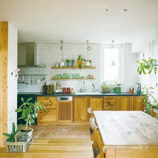 古材を愛でるキッチン