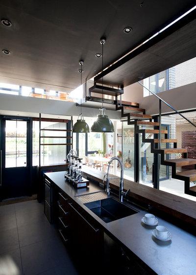 Contemporary Kitchen by Studio CY(株)スタジオ サイ