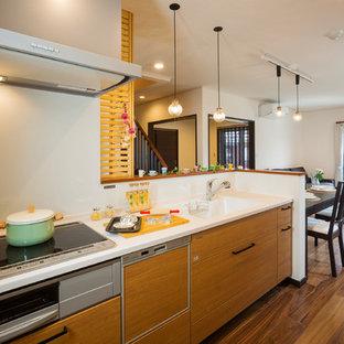 他の地域のミッドセンチュリースタイルのおしゃれなキッチンの写真