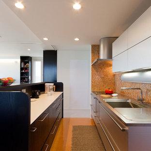 他の地域のコンテンポラリースタイルのおしゃれなキッチンの写真