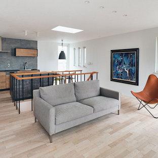 納入事例:「25坪の小さな家の真ん中に階段」という間取りが印象的なお住まい