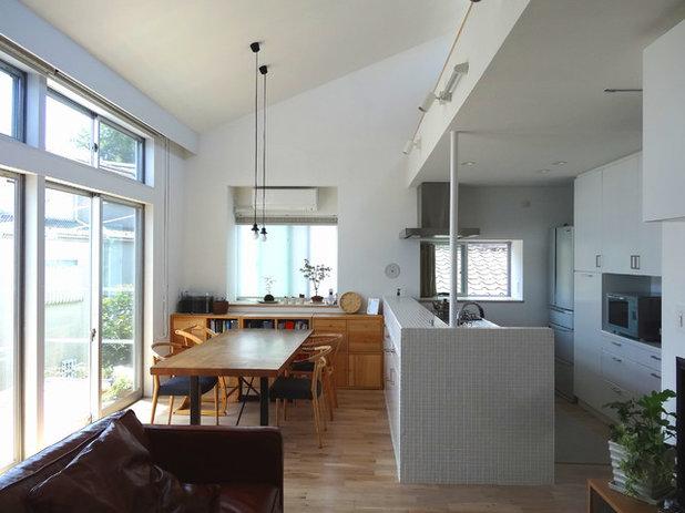 モダン キッチン by 金子智子建築設計室 一級建築士事務所