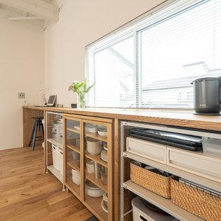 Modelo de cocina lineal, de estilo zen, abierta