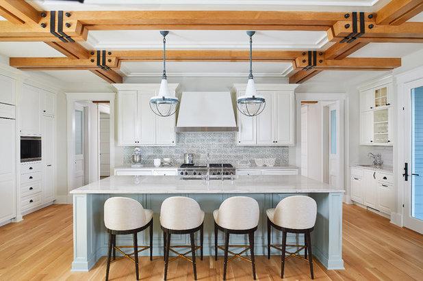 Transitional Kitchen by YZDA | Yoshida + Zanon Design Atrium