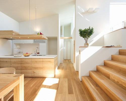 Cuisine ouverte scandinave avec des portes de placard en for Idee deco cuisine avec console type scandinave