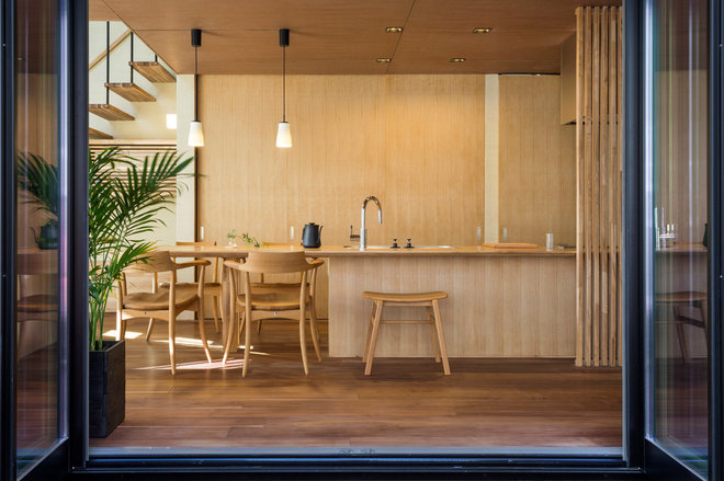 Modern Kitchen by ichikawa design 一級建築士事務所 イチカワデザイン