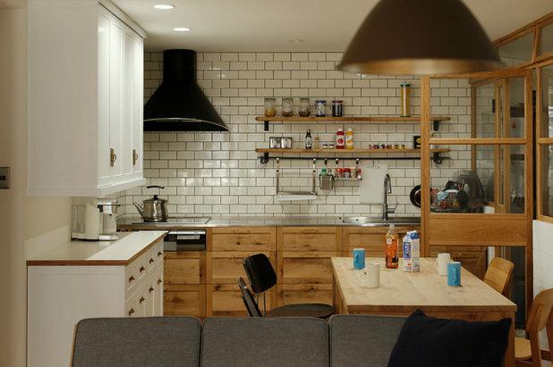 Midcentury Kitchen by ELD INTERIOR PRODUCTS (株式会社 イールドインテリアプロダクツ)