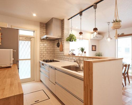 skandinavische k chen mit beigen schr nken ideen design bilder houzz. Black Bedroom Furniture Sets. Home Design Ideas